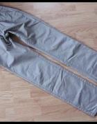 Beżowe spodnie jeansowe męskie rozmiar S