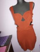 Sukienka wycięcia M 38