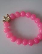 Neonowa różowa bransoletka złota korona Queen