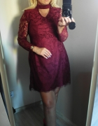 Koronkowa nowa sukienka bon prix