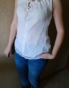 biała bluzka mgiełka na ramiączkach