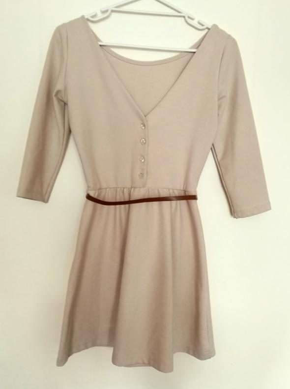 e6801c9bc9 Beżowa sukienka STRADIVARIUS rozm S w Suknie i sukienki - Szafa.pl