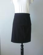 Idealna czarna dopasowana spódniczka S...