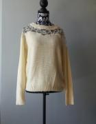 Idealny nowy beżowy sweter...