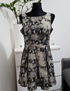 bezowo czarna sukienka Glamorous