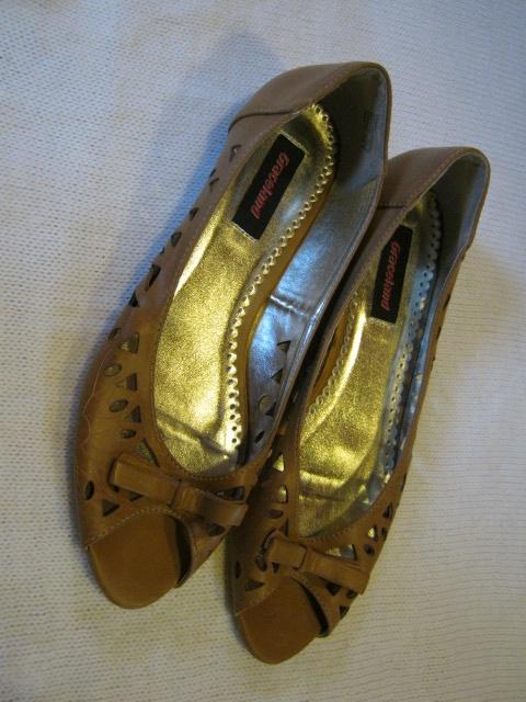 Nowe sandałki rozmiar 40...
