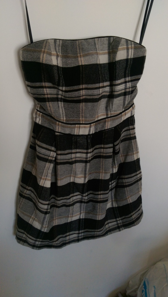 Sukienka w kratę M