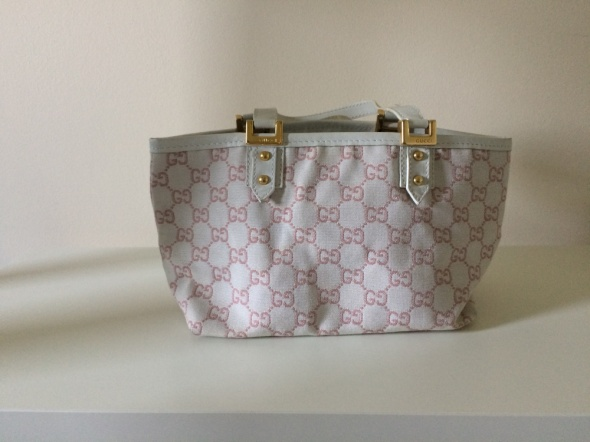 Oryginalna torebka warta uwagi Gucci...