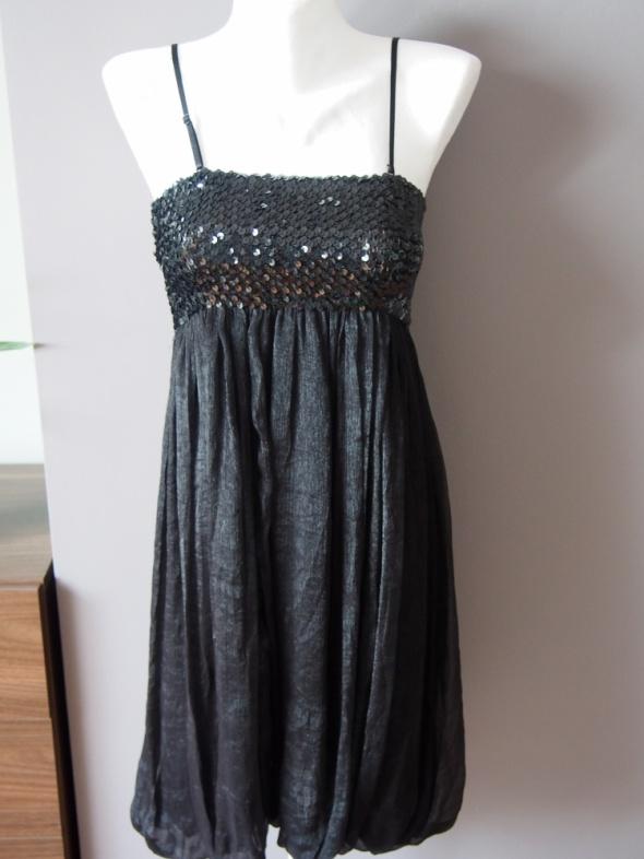 Suknie i sukienki Czarna sukienka z cekinami