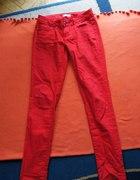 czerwone spodnie rozmiar M