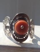 Stary pierścionek z koralem szlachetnym...
