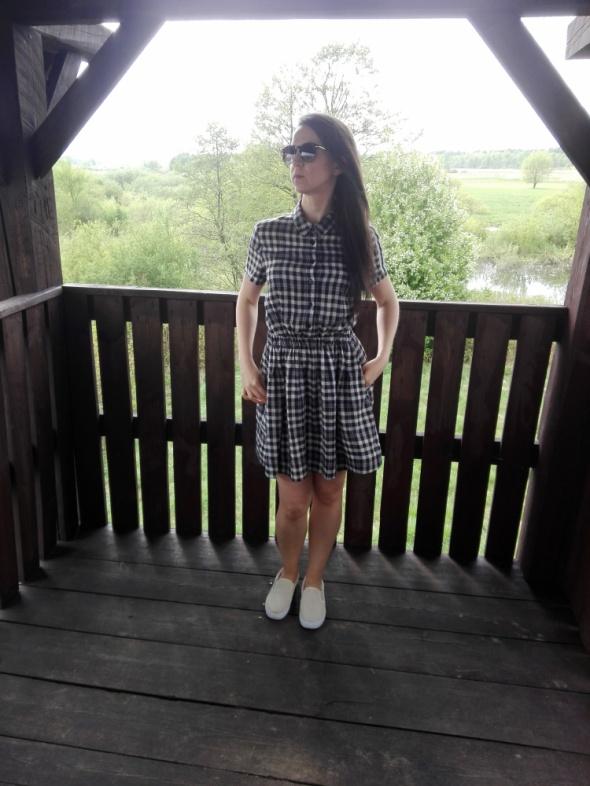 Sukienka w kratkę 36 S M kołnierzyk...