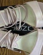 rozowe sandalki