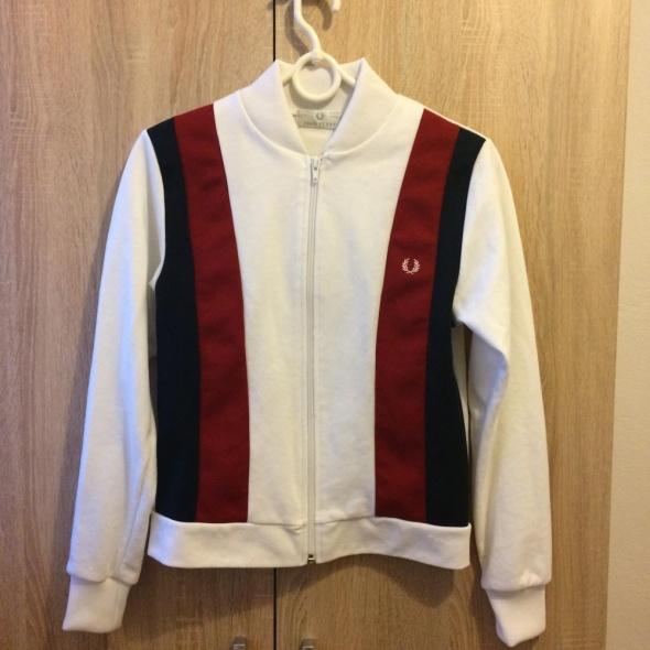 biała bluza fred perry czerwona czarna
