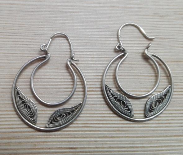 Kolczyki stare srebrne filigranowe kolczyki koła podkówki kocie oczy
