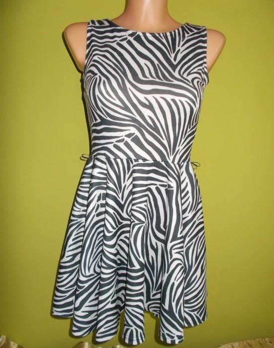 Sukienka rozkloszowana MISO 36 38...