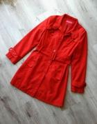 Czerwony wiosenny płaszcz trencz taliowany z paskiem rozm 38 M