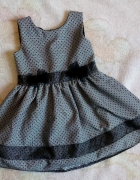 Śliczna sukienka 98...