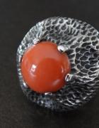 Srebrny pierścionek Warmet z koralem