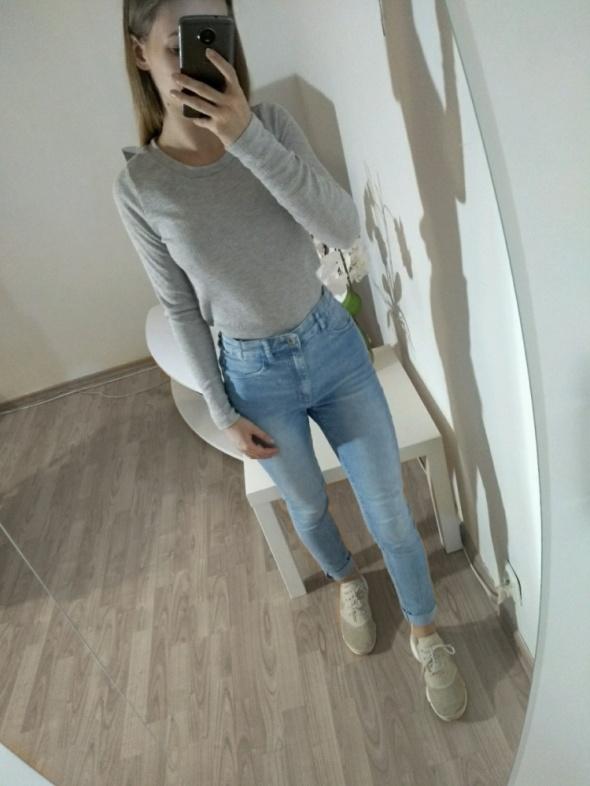 Sweterek w prążki Cropp