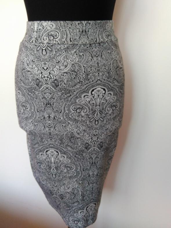 Amisu spódnica ołówkowa rozmiar 34 i 36