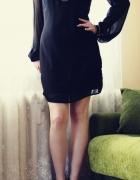 Czarna sukienka z koralikami