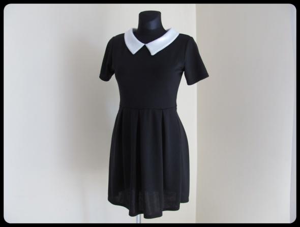 Suknie i sukienki Sukienka czarna z białymi elementami pensjonarka 40 L
