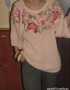 sweter w róże i reszta