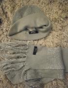 komplet czapka z szalikiem w kolorze srebrnym