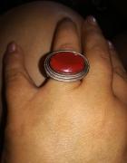Stary duży srebrny pierścionek z koralem 925