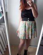 Rozkloszowana kolorowa plisowana spódniczka