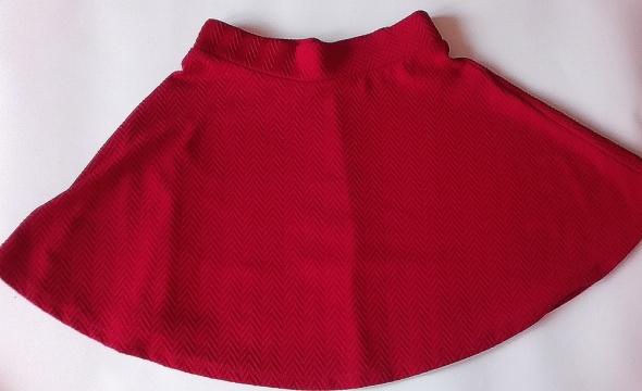 Czerwona spódniczka...