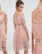 NOWA Koronkowa sukienka Boohoo