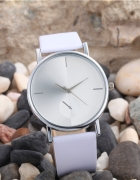 Srebrny Zegarek Geneva Skórzany Pasek Biały Czarny