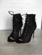 Zara nowe czarne szpilki ażurowe sandały na obcasie wiązane sznurowane