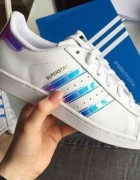 Nowe Białe Adidas SuerStar Holo 37