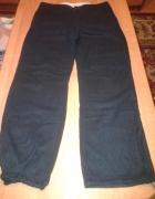 Czarne spodnie Vila
