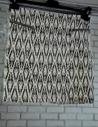 Ołówkowa spódniczka czarno biała wzory...