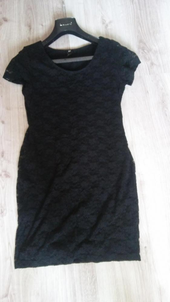 mała czarna sukienka koronkowa letnia 38