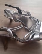 Srebrne skórzane sandały na obcasie
