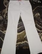 Białe jeansy GAP
