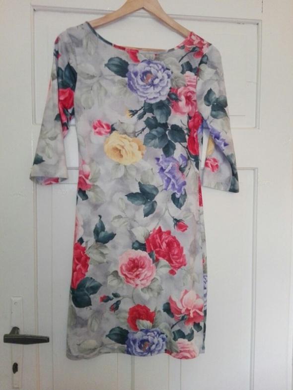 Sukienka w kwiatki M