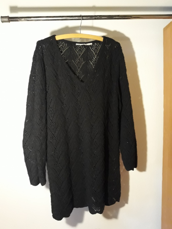 7bda896ab7 Krótka dopasowana sukienka z przezroczystą górą w Suknie i sukienki ...