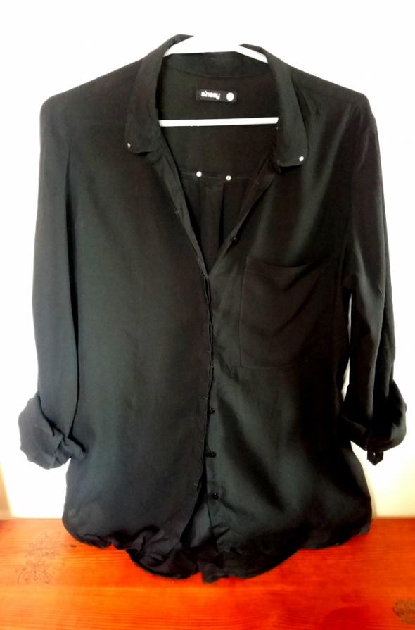 Czarna klasyczna koszula sinsay...