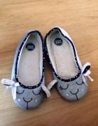 Fetysz używane kapcie buty kobiece stópki papcie