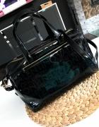 Oryginalna torebka Valentino kuferek czarny