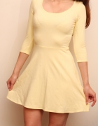 żółta pastelowa sukienka dekolt na lato xs