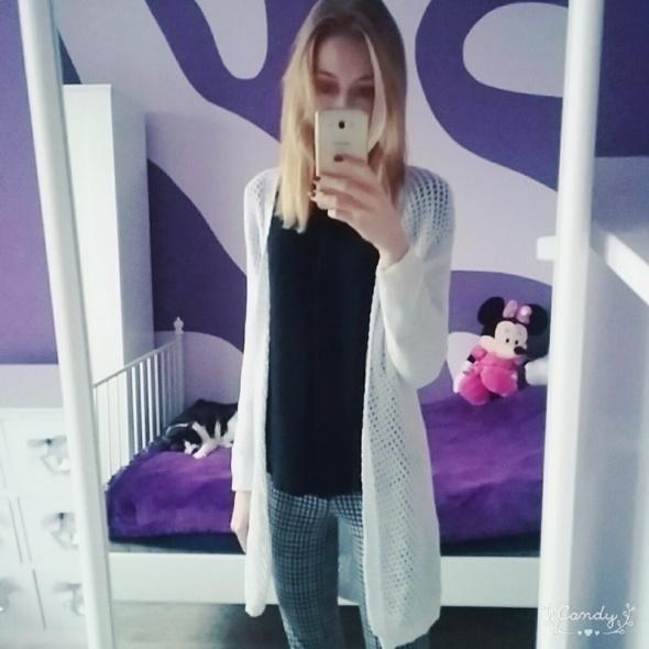 Nowy biały sweter bershka