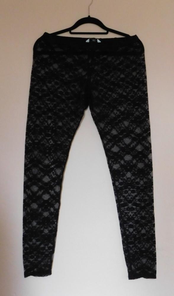 New Look koronkowe legginsy czarne 40...