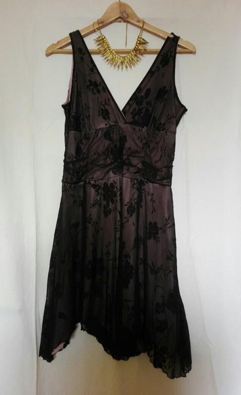 Sukienka M z koronki